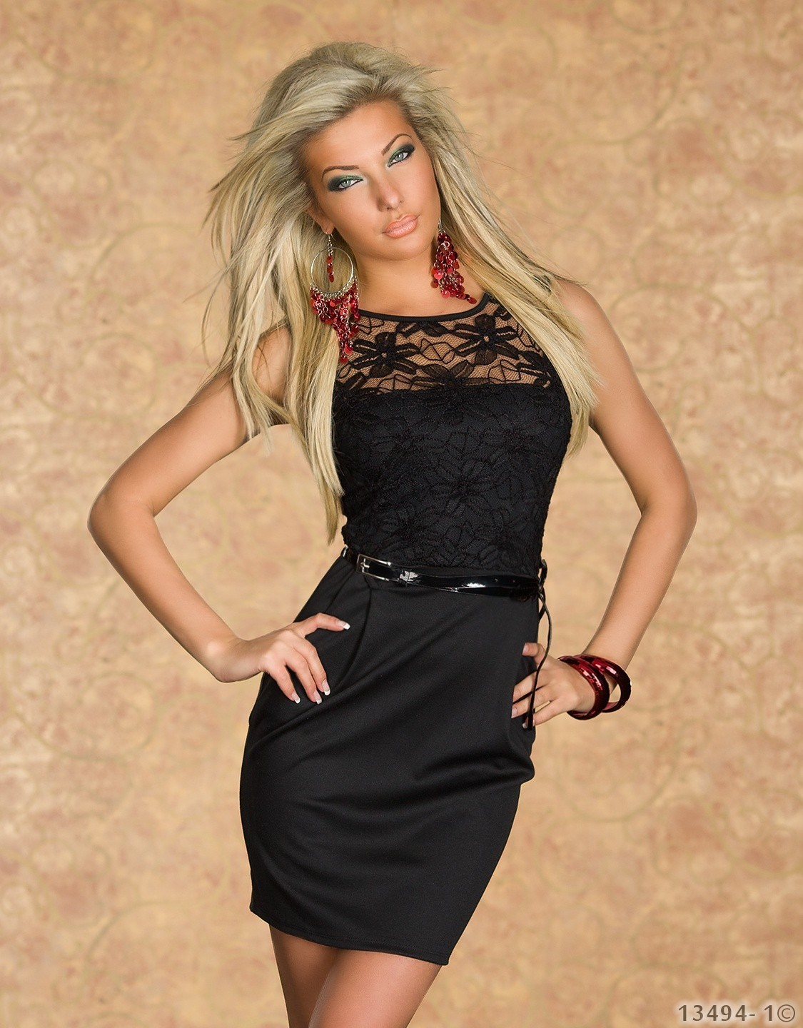 ML18096 Lace Neckline Sleeveless Sexy Black Mini Dress