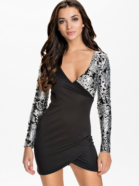 ML18268 Deep V-Neck White Lace Long Sleeve Black Mini Sexy Dresses